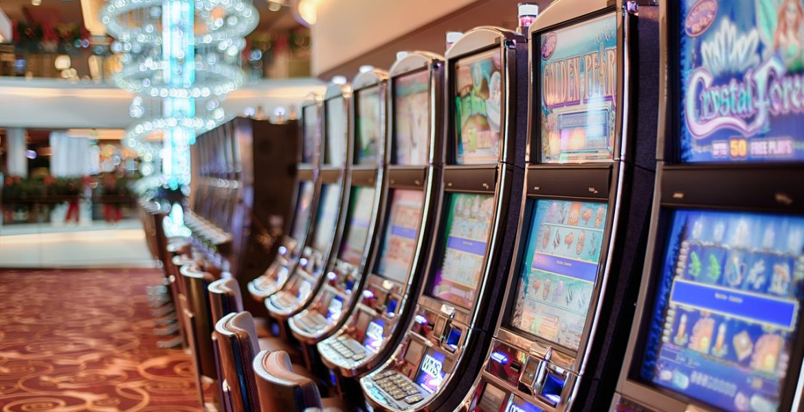 ONLINE CASINOS: VARIOUS GAMES FANS CAN ENJOY TO PLAY